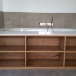 Badewanne eingebaut mit Holz